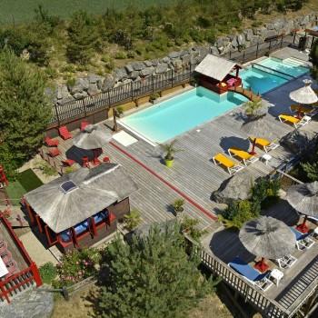 Chalet Lozere piscine et terrasse